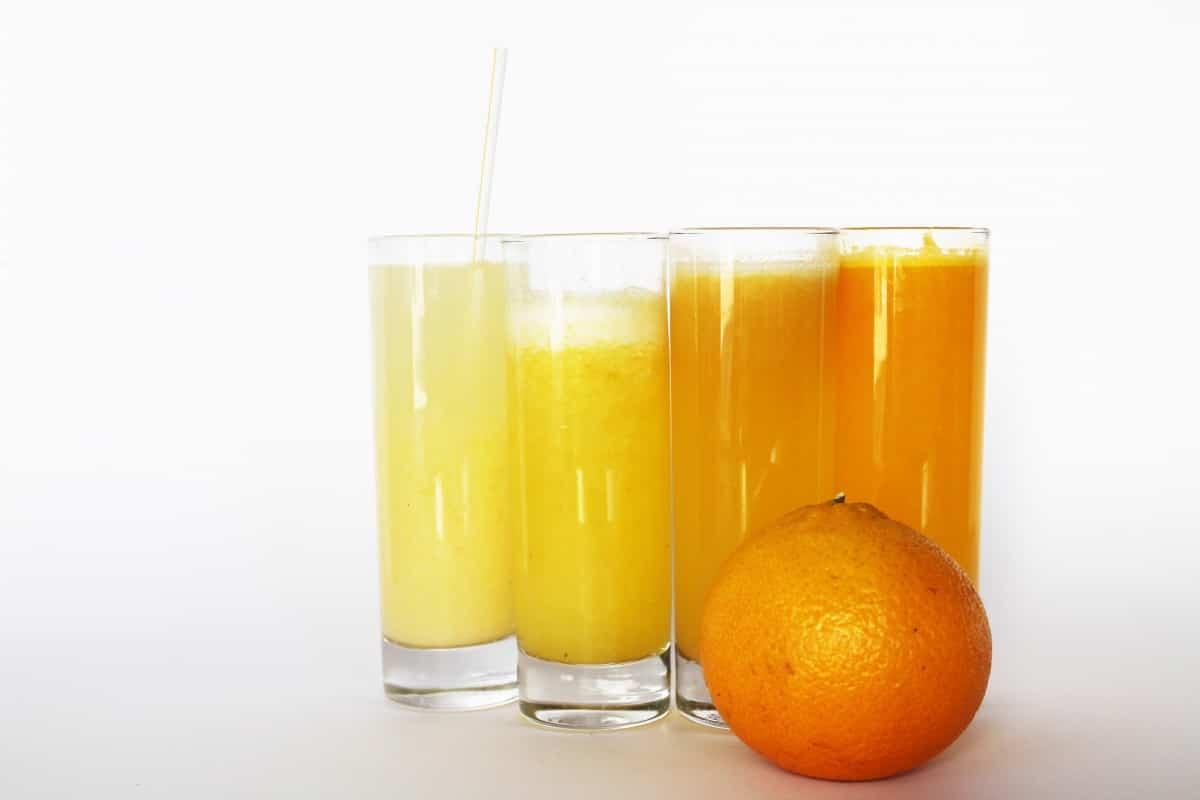 jus d'orange obtenu grâce à un extracteur de jus