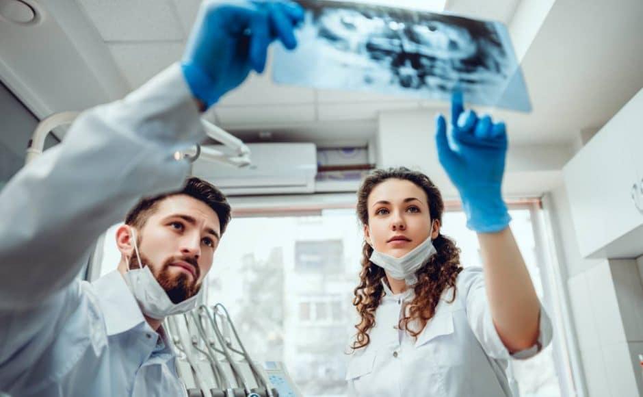 Zoom sur l'implantologie et la technologie du CBCT