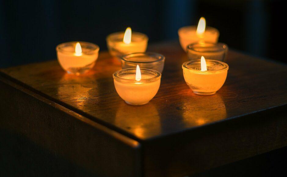 Décès : les 5 étapes du deuil