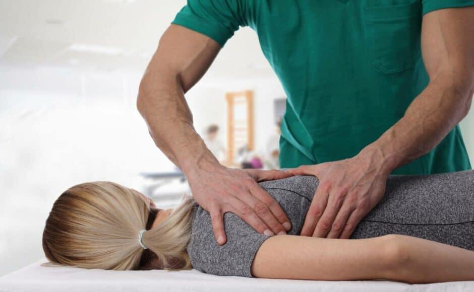 Ostéopathe : comment équiper durablement votre cabinet ?